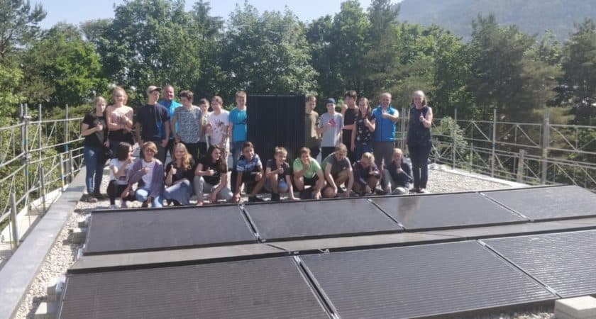 Neubau Photovoltaik-Anlage mit Schülern der 7. & 8. Klasse Juni 2019